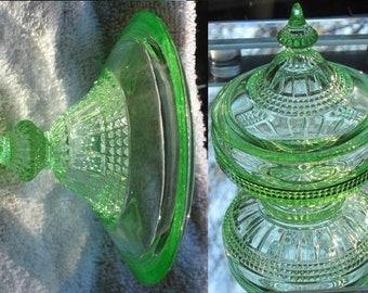 """Vintage Cambridge Puff Box in """"Wetherford"""" Pattern Green (Emerald) - FREE SHIPPING"""