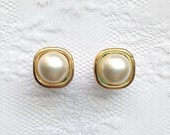 Pearl and Gold Square Wedding Plugs Gauges Size: 0g (8mm), 00g (10mm)