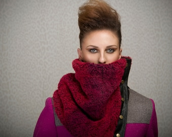 Fur cowl with snaps, dark burgundy and red fake fur, perfect for wool allergies