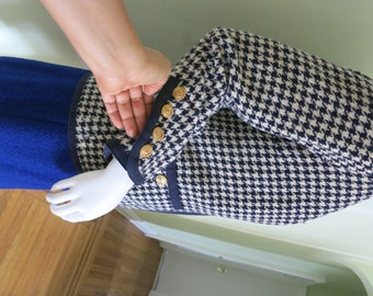 Chanel tweed jacket 100 % Authentic and beautiful