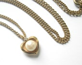 Vintage Avon Gold Plated Pearl Necklace