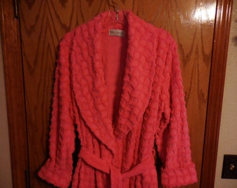 Vintage Hot PINK Chenille ROBE - Mark Travers Hot Pink Squiggly Squares Vintage Chenille BATHROBE - Size M - Free Shipping