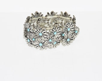 Daisy Bracelet Silver Tone Turquoise Colored Blue Bead Center Adjustable Expandable Flower Floral Vintage Hippie Boho