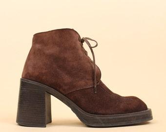 90s Vtg Brown Nubuck Genuine LEATHER Lace Up Moccasin Desert Ankle Boot / Chukka Style Super Chunky Platform Heel / 9 Eu 40