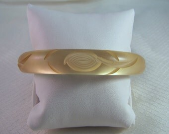 Vintage Hand Carved Lucite Bangle Bracelet