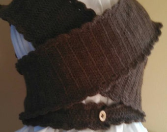 100% cocoa wool Sontag for child age 5 to 9 in crocheted.  ships immediately