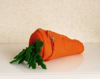 Carrot Small Felt Bag