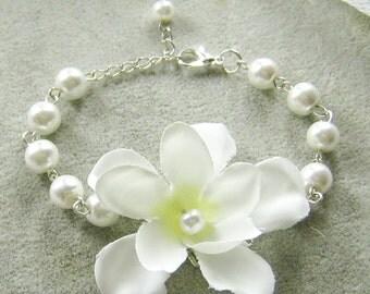 Silk flower pearls bracelet, bridesmaids bracelet, wedding jewelry - BRS001
