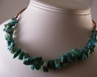 Vintage Turquoise Nugget Choker Necklace..... Lot 4588