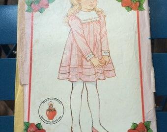 Stawberry Shortcake girls dress pattern. Butteeick 4827.
