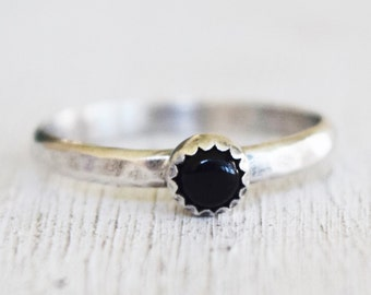 Sale - Onyx Gemstone Ring - Sterling Silver Ring - Black - Stacking Ring - Size 5.5 - Hammered Silver Band - Round Gemstone - Ready to Ship