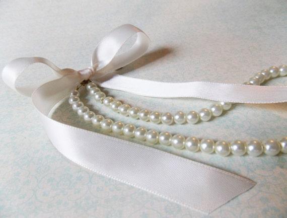 Flower Girl Necklace Jewelry For Flower Girl Pearl Necklace With Bow Flower Girl Pearl Jewelry Flower Girl Gifts Ivory Flower Girl Necklace