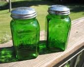 """Dark Green Glass Embossed Salt Pepper Shakers Range Set 4.5"""" Tall"""