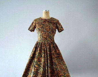 50s dress . vintage 1950s brown rose print dress