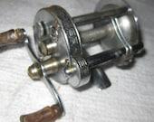 Pflueger Akron 1893L Baitcaster Reel collectible ON SALE