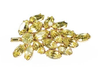 Vintage Jonquil Yellow Crystal Leaves Brooch Rhinestones Gold Tone Pin