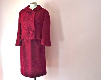 1950's 1960's Cranberry Boucle Wool Skirt Suit. Double Breasted. Cropped Jacket and Pencil Skirt. Modern Size Small Medium  - VDS172