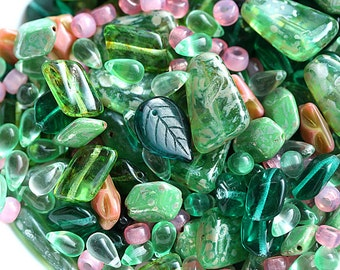 Green beads mix, czech glass beads, pink and green beads, leaves, teardrops, different shapes - 25gr - 0473