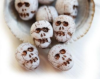 Skull beads, Czech glass beads, White skull, Old patina, Halloween, skeleton - 12mm - 8Pc - 2625