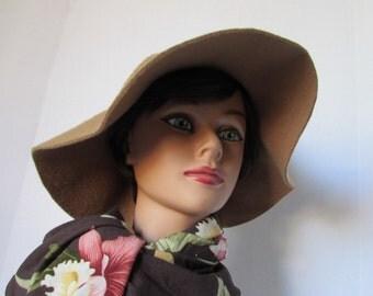 Vintage Felt Fur Cloche Hat High Fashion Boho Retro Floppy