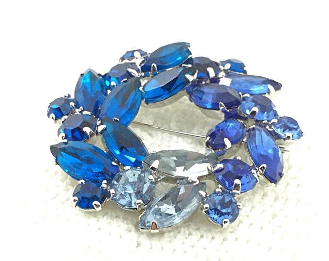 Sparkly Blue Weiss Rhinestone Brooch, Montana blue rhinestones, sapphire blue, light blue. High end brooch.