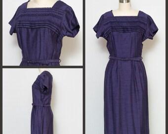 1950s dress / 50s Dress / 60s Dress / Wiggle Dress / Purple Wiggle Dress / Vintage Purple Sheath Dress