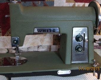 Vintage White Sewing Machine model 2775