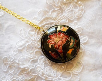 Round Flower Pendant, Vintage Enamel,  Gold Tone, Necklace, Valentine's Day Gift, Item No. B421