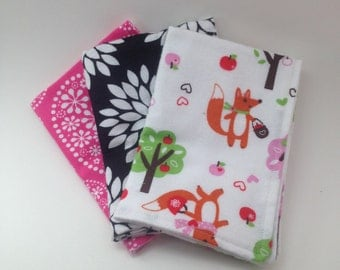 Burp Cloths / Set of 3 Double thickness flannel: Fox with apples,  Magenta, white and black