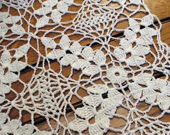 Cottage Decor Vintage Lace Wheat Motif Runner White Crochet Table Centerpiece Home Decor