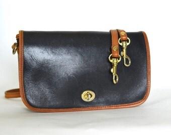 Vintage Black & Tan Leather Convertible Clutch Turnlock Across Body Bag
