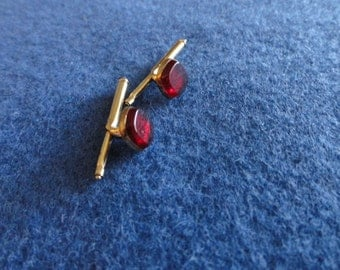 C152)  Vintage Hickok Red  Tux Buttons