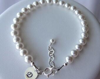 Pearl Initial Bracelet, Pearl Bridesmaid Bracelet, Stamped Personalized Pearl Bracelet, Initial Bracelet, Charm Bracelet, Bridal Party Gift