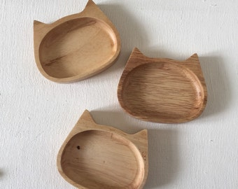NEW Wooden Cat Ring Dish. Jewelry Storage. Home Decor