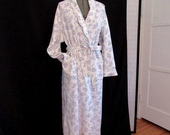 Vintage 90s Turkish Cotton Women's Bathrobe Robe English Tea Print Blue White with Pockets size M
