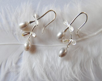 Dangle silver plated earrings with freshwater pearl beads.Bridesmaid gift