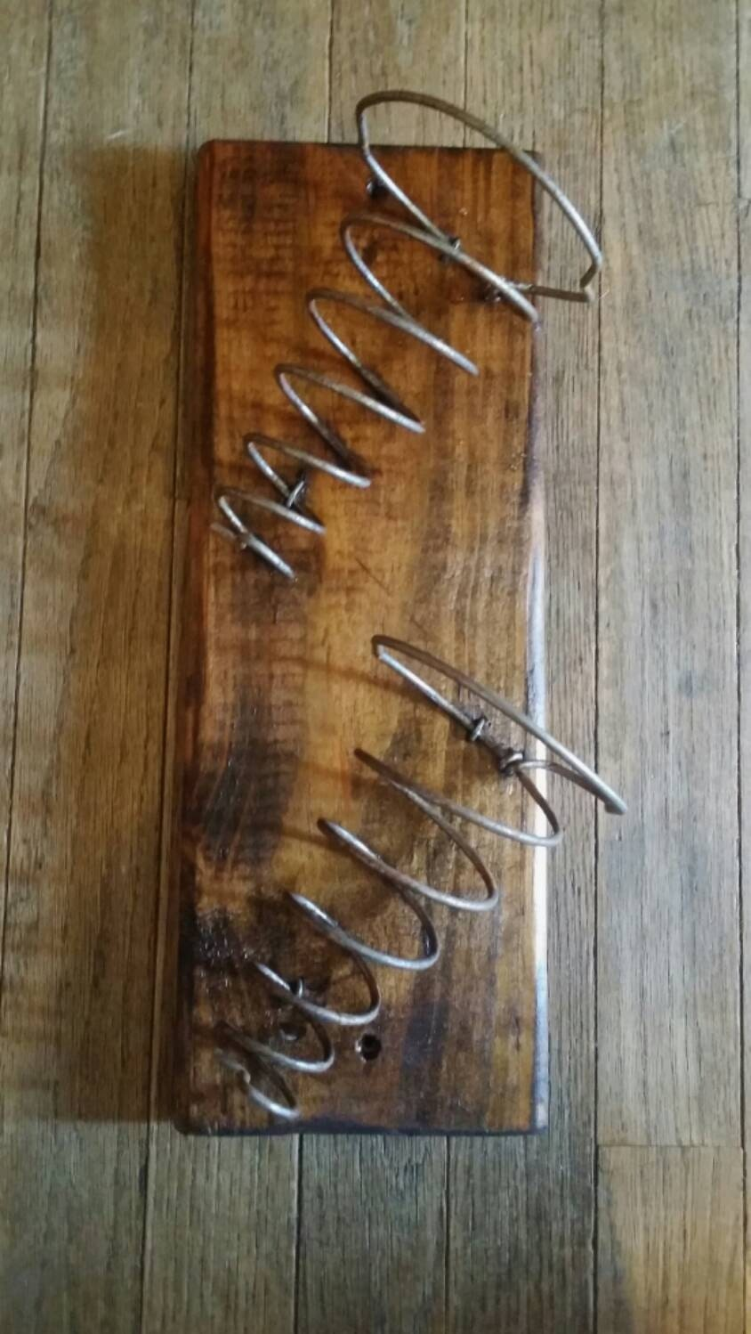 Bed Springs Wall Mounted Wine Rack With Bed Spring Holders