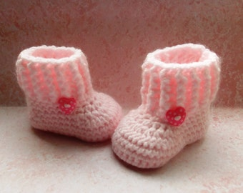 Pull-on ugg style crochet baby boots in pink with dotty heart button; ready to ship, uk seller, 0-3 month