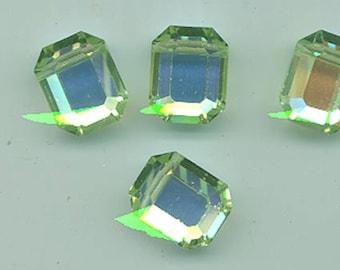 Eight vintage Swarovski chrysolite aurora borealis crystals - Art. 366/5105 - 15 x 12 mm