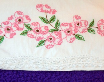 Vintage Pillowcase Pink Embroidered Floral Crochet Pillowcase Full Standard Bedroom Linens