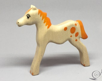 Toy Foal horsey wooden white light brown with orange spots colourful  Size: 12,5 x 11,0 x 1,7 cm (bxhxs)  approx. 43,5 gr.