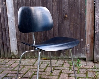 Charles & Ray EAMES | A vintage DCM [ Dining Chair Metal ] chair, designed 1945-46, this example produced by Herman Miller, USA in the 1960s