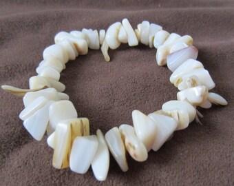 Puka Shell Stretch Bracelet Vintage 1970s Summer Jewelry