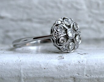 Lovely Antique 18K White Gold Diamond Ring Engagement Ring.