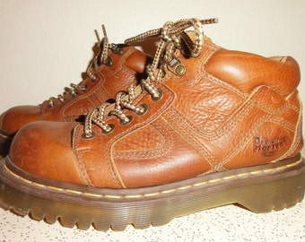 Vintage Doc Martens Oxford Shoes UK 6 US Women's 8 or Men's 7 Docs brown leather Dr. Martens air cushion sole hipster emo grunge rocker