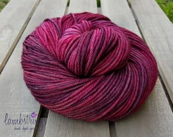 Ewetopia Worsted, Hand dyed yarn, Superwash Merino Wool, 218 yds/ 100g: Rosario.