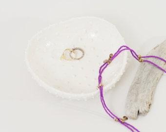 Textured White Ring Dish Spiky White Ceramic Bowl~Modern Ceramics Polka Dots Pottery Bowl Minimalist Jewelry Dish Ceramic Plate Ring Holder