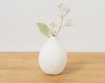 White Modern Vase White Ceramic Vase ~ Handmade Pottery Vase Ceramic Vases Ceramic Sculpture Bud Vase Modern Flower Vase Unique Ceramic Gift