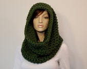 Overhead Cowl Scarf, Thyme Green Cowl, Winter Fashion, Fall Fashion, Womens Infinity, Green Hooded Scarf, Winter Scarf, MarlowsGiftCottage
