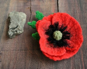 Red poppy brooch flower felt with green leaf bridesmaid gift for her weddings jewelry